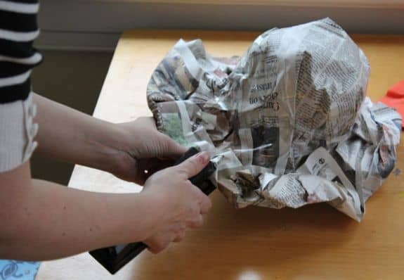 DIY Newspaper Derby Hat | HelloGlow.co