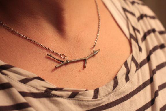 DIY Twig Necklace | HelloGlow.co