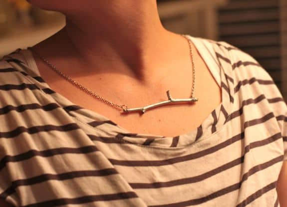 make your own twig necklace