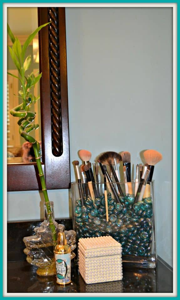 make-up brush holder DIY