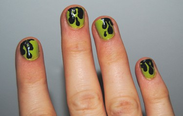 Slime nails - Fashionista
