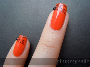 Halloween nails: spiderwebs - Pimp My Nailz
