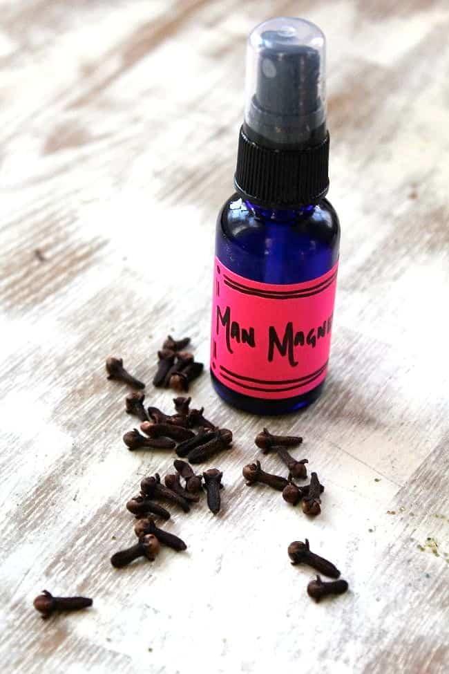 Vanilla Clove DIY Body Oil   HelloGlow.co