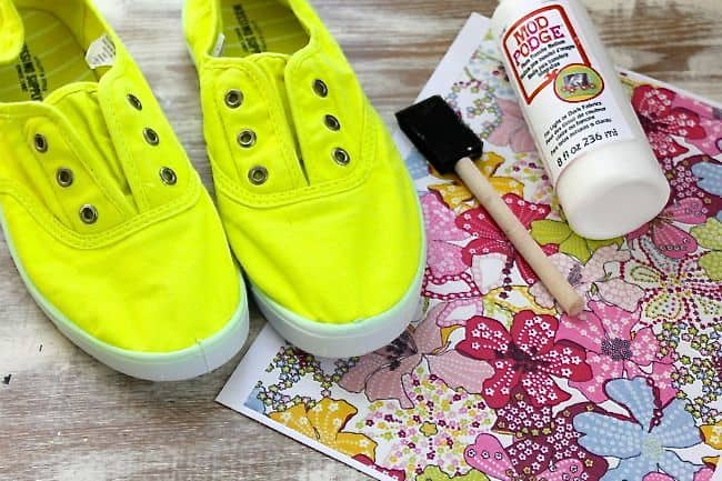 Kent Heartstrings: 3 DIY Shoe Makeovers