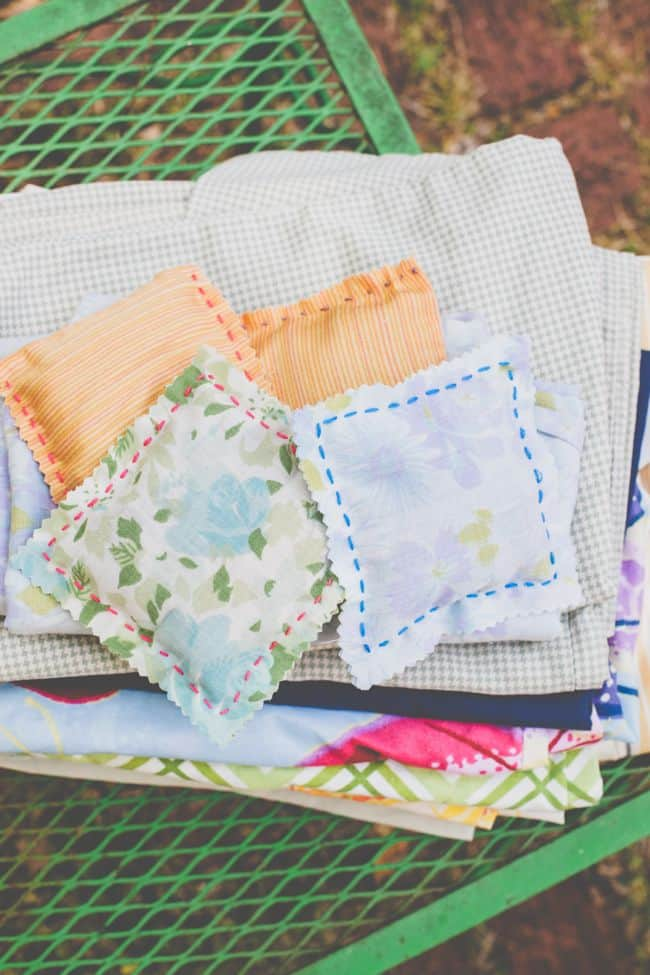 DIY lavender dryer sheets | HelloGlow.co