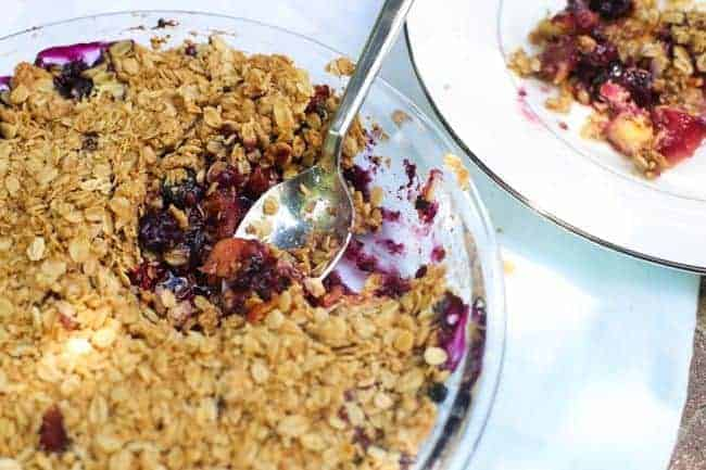 Easy Berry Crumble Recipe | Hello Glow