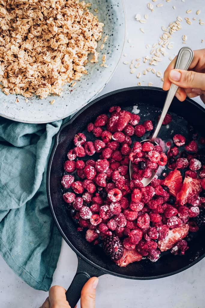 Berry Crumble with Whole Oats