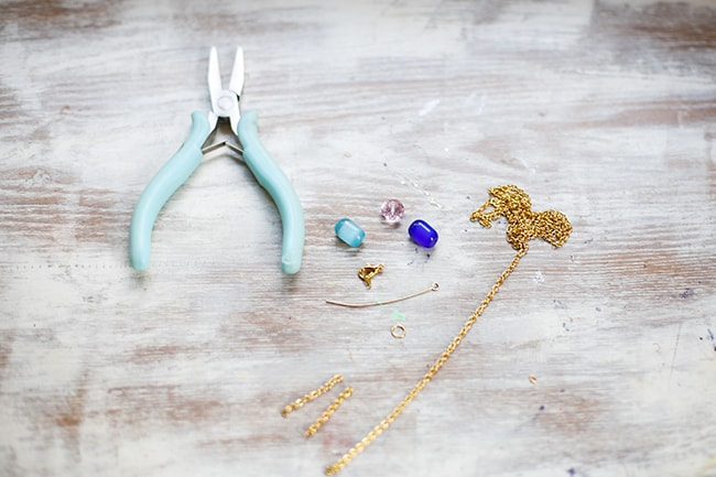 Easy Bead DIY Anklet | HelloGlow.co