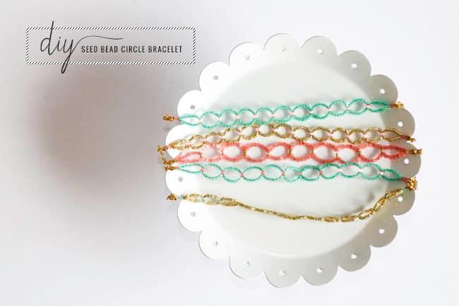 diy seed bead circle bracelet hello glow - Beaded Bracelet Design Ideas