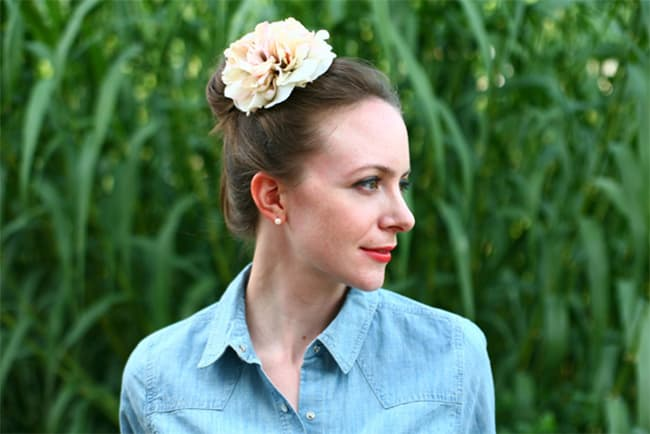Flower Hairpiece | 25 Easy Updos | HelloGlow.co