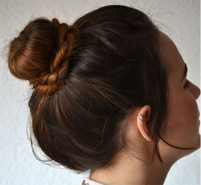 Twist Donut Bun | 25 Easy Updos | HelloGlow.co