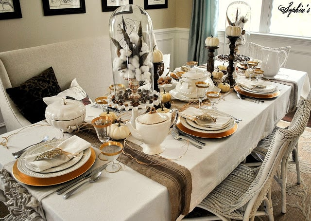 Neutral & Gold Thanksgiving Table