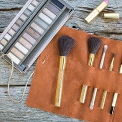 15 Clever DIY Makeup Storage + Organization Ideas