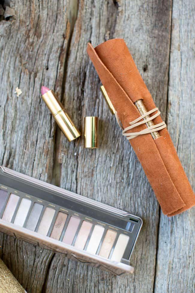 DIY Makeup Brush Holder | Hello Glow