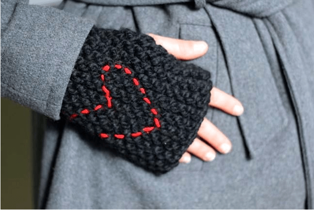 50 Hat, Glove + Scarf DIYs to Keep You Warm this Winter