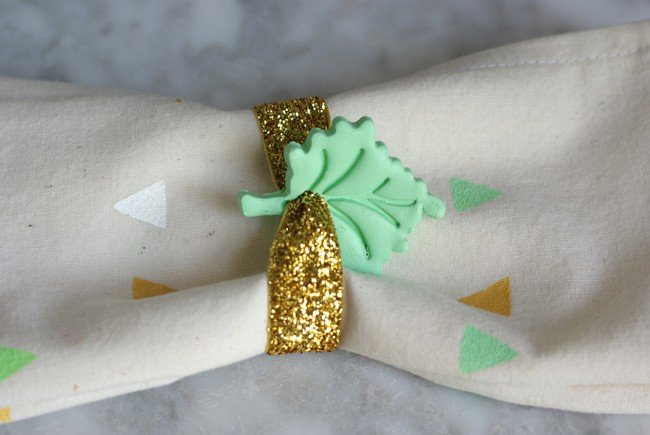DIY clay leaf napkin rings - Hello Nest