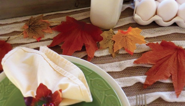 DIY Thanksgiving Table Garland