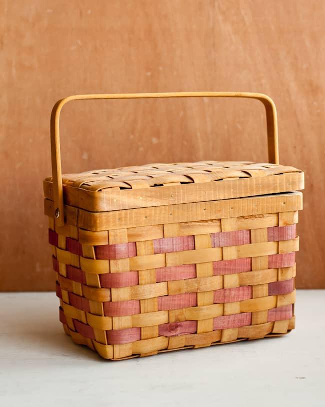 Baskets as Gift Wrap   Hello Glow