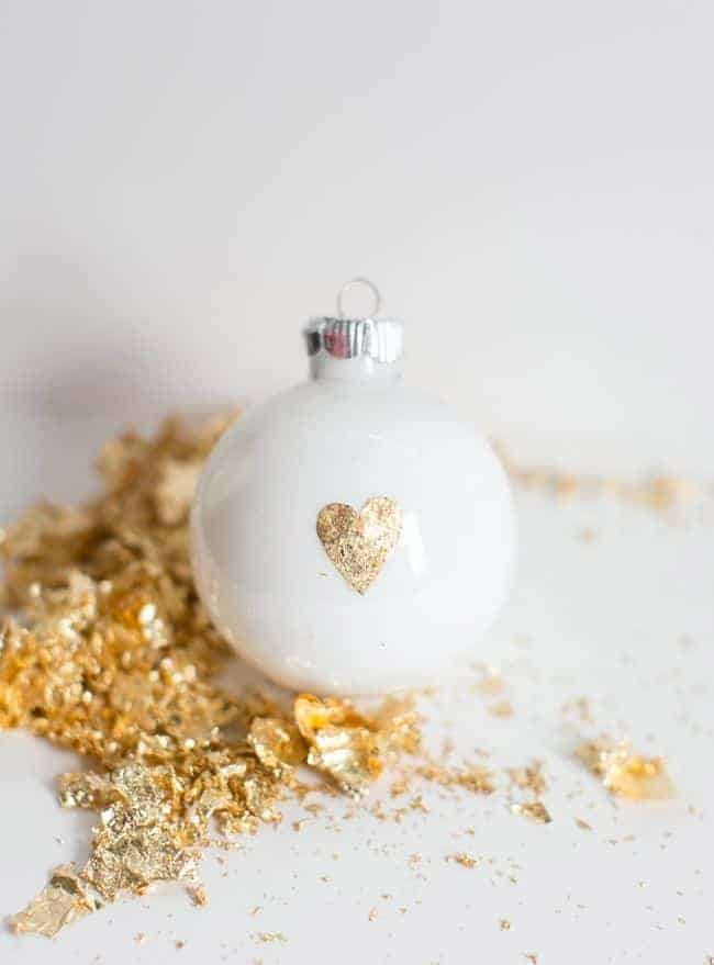 5 Easy DIY Christmas Ornaments