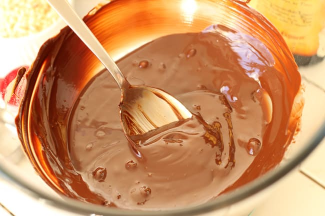 How to Make Nutella Truffles | HelloGlow.co