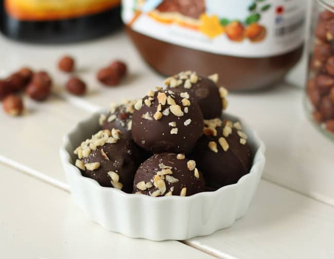Homemade Nutella Truffles | HelloGlow.co