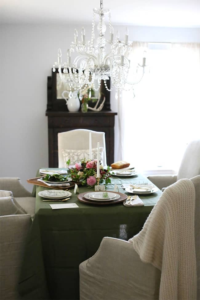 Elegant Organic Thanksgiving Gathering