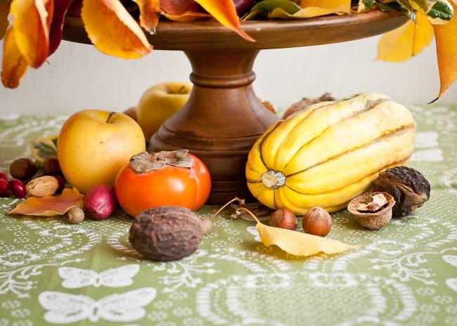 thanksgiving centerpiece - base of arrangement