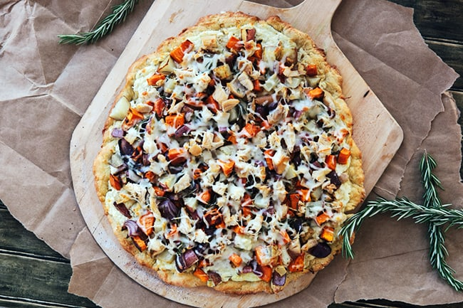 Winter Veggie Pizza with Chicken | Hello Glow
