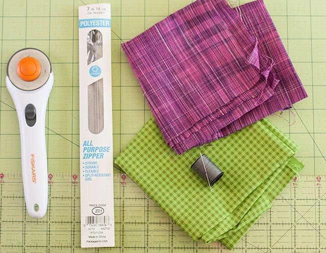DIY Zipper Clutch | Henry Happened