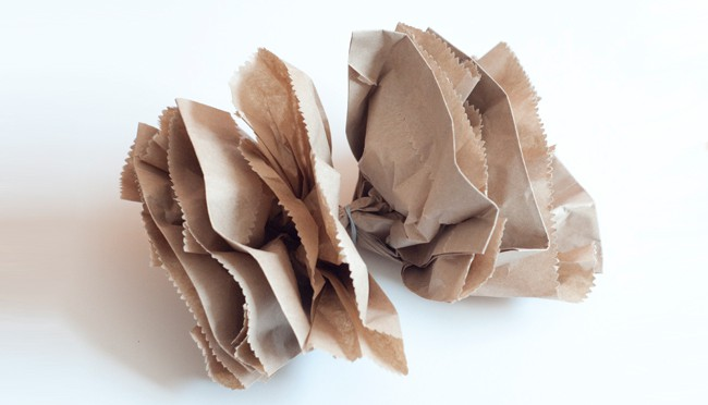 Brown Paper Bag Bow | 25 Ways to Tie a Bow | HelloGlow.co