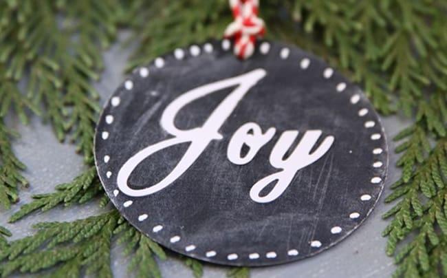 25 DIY Ornaments Chalkboard Tags