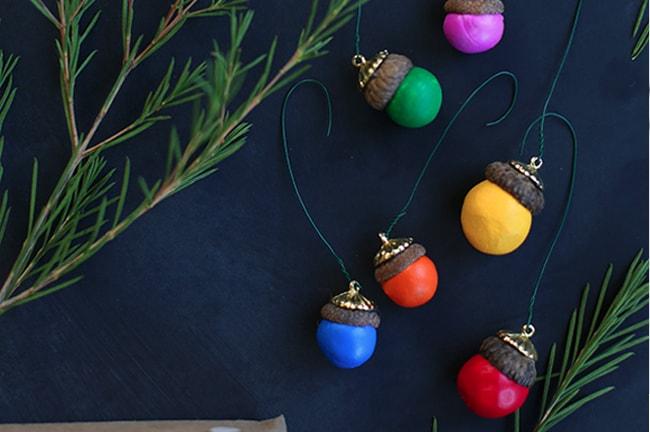 25 DIY Ornaments Acorns
