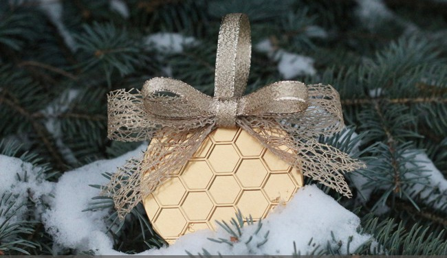 25 DIY Ornaments Embossed Aluminum
