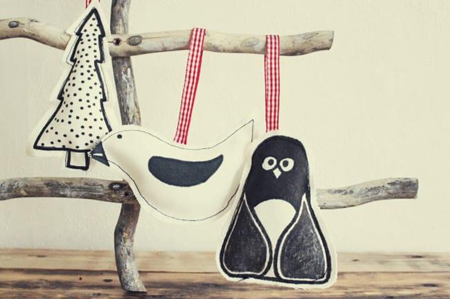 25 DIY Ornaments Fabric & Marker