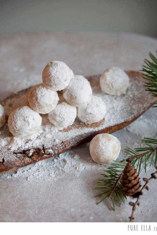 Amaretto Snowballs