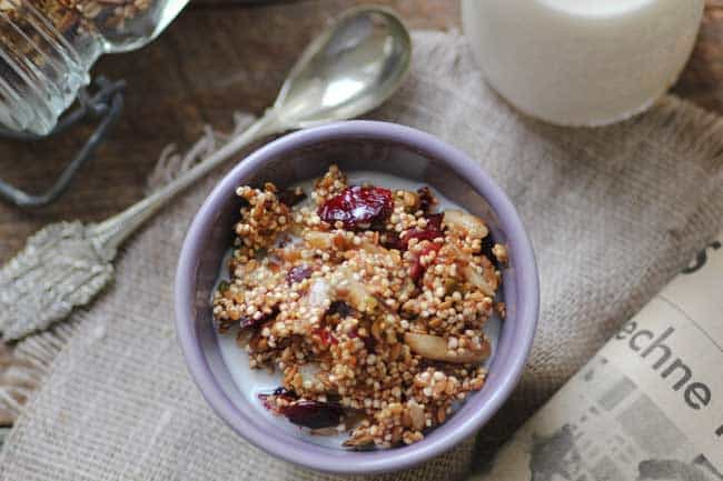 Cranberry Pistachio Quinoa Granola | HelloGlow.co
