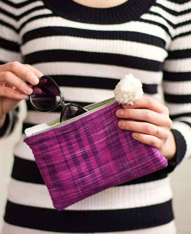 DIY Zipper Clutch | 11 DIY Bags for All Your Needs