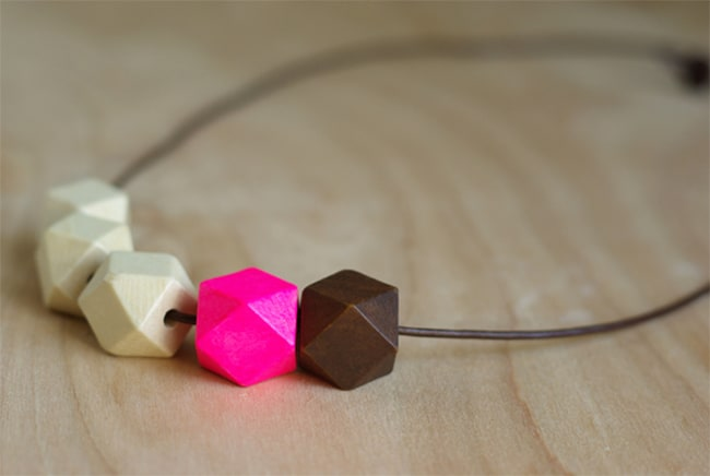 Geometric bead necklace | Hello Glow