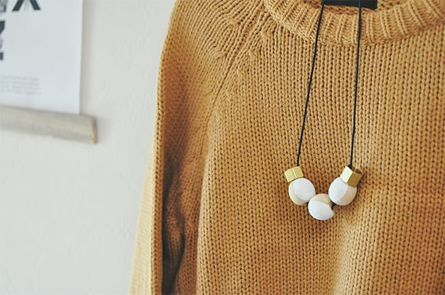 Wood beads necklace | Hello Glow