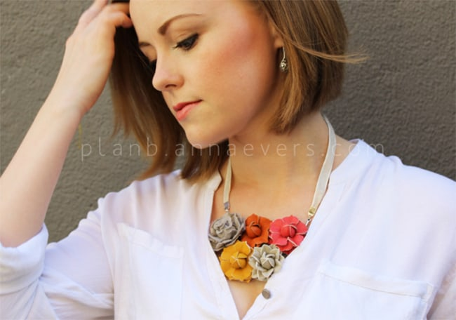 Leather flowers necklace | Henry Happened
