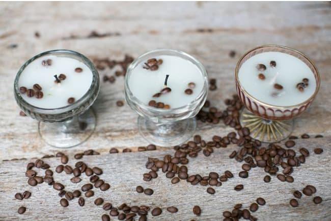 DIY French Vanilla Candles | Hello Glow
