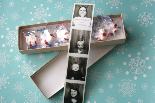 diy holiday card photobooth
