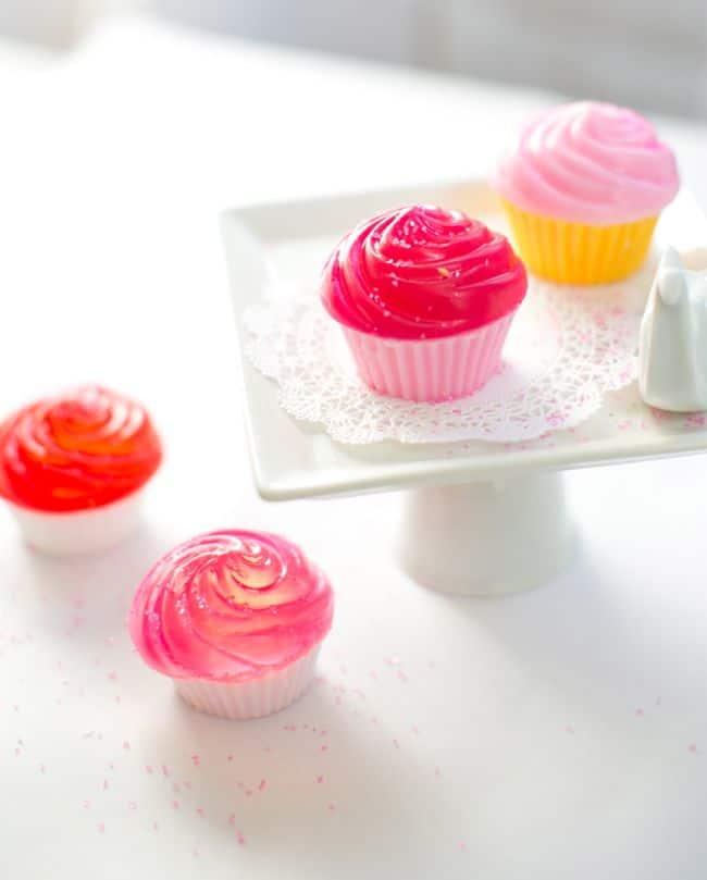 DIY Mini Cupcake Stand | Hello Glow