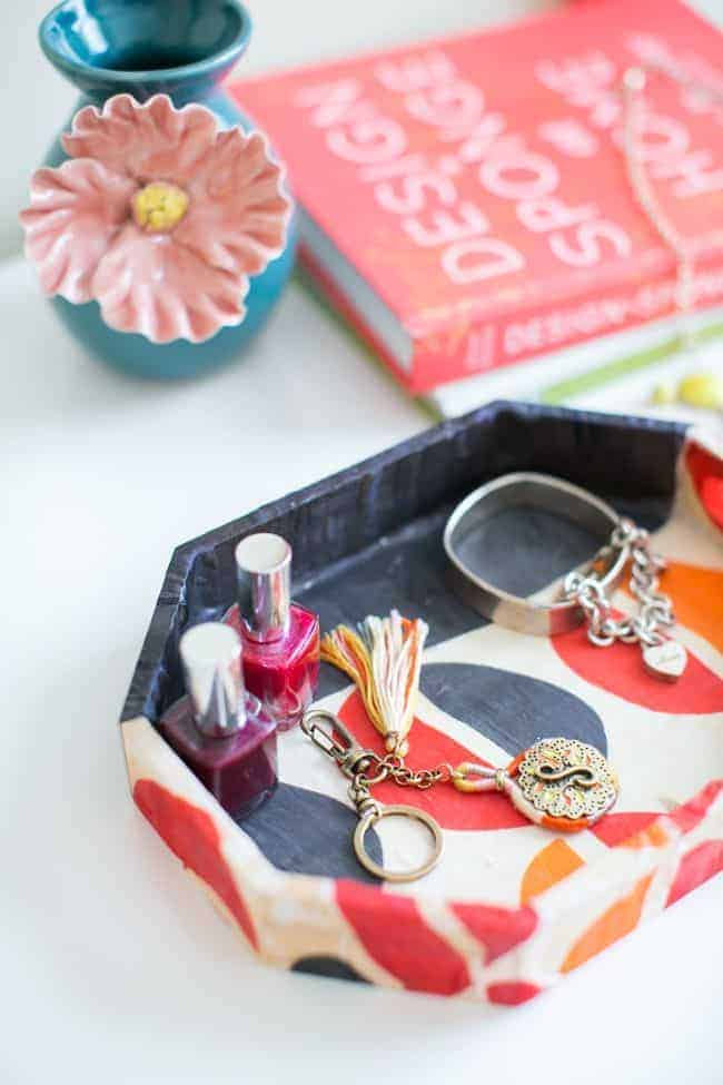 DIY Jewelry Tray from Old Scarves | 15 Make-up Storage Ideas