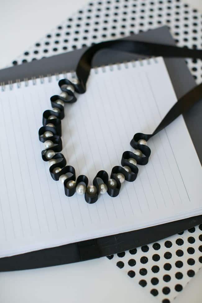 DIY Pearl Necklace   Hello Glow