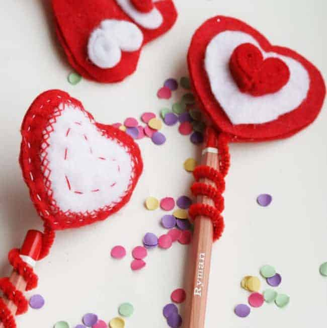 KID CRAFT! DIY Felt Heart Pencil Topper