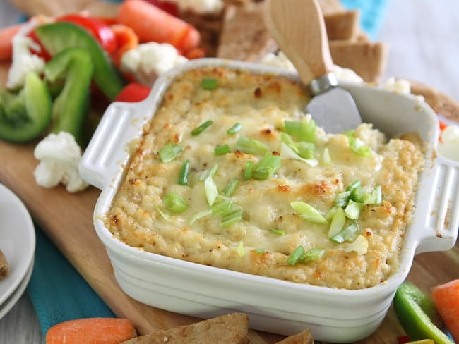 Cheesy, Garlicky Roasted Cauliflower Cheddar Dip Recipe | HelloNatural ...