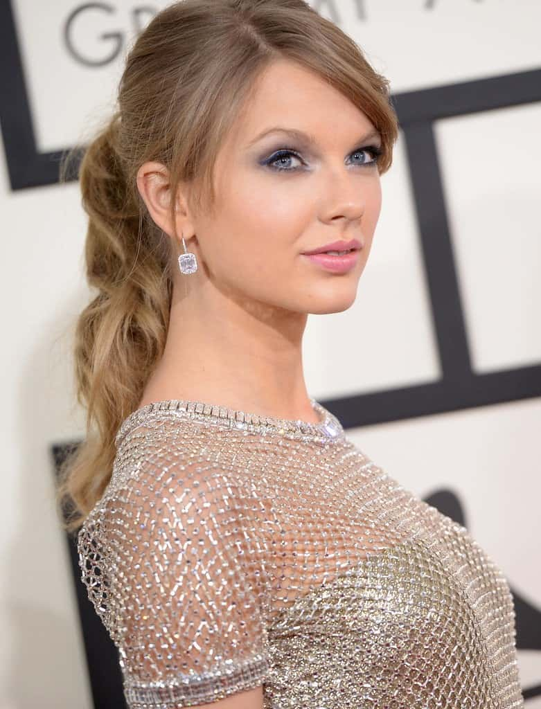 Taylor Swift's messy ponytail