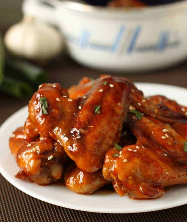 Baked Sriracha Chicken Wings | HelloNatural.co