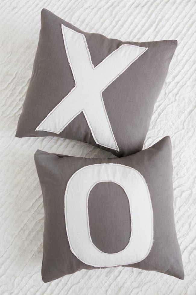DIY Anthropologie Inspired Pillows   Henry Happened